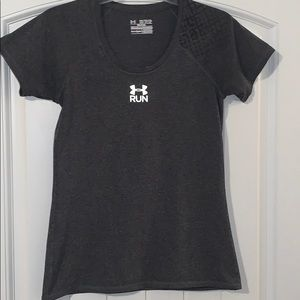 Under Armour, semi fitted heat gear shirt, size XS